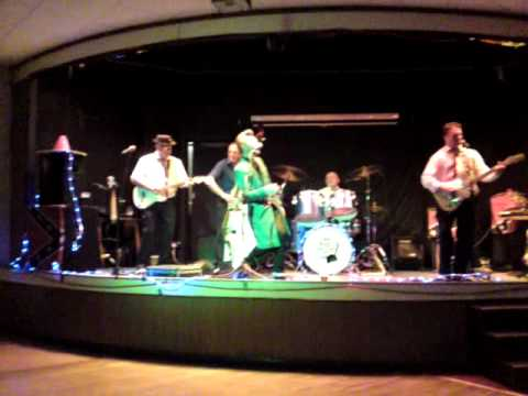 Mike Raffone & the Blue Tones Featuring Chip-Pan Charlie - Sea Cruise.MP4