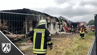 Brand in Saunaclub in Hamminkeln - Schaulustige behindern Löscharbeiten