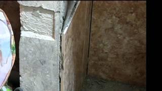 Как снять плитку, не сломав её(http://plitochkin.ru/ Плитку, положенную на цементно-песчаный плиточный клей можно снять без повреждений. Для этого..., 2014-02-28T21:50:34.000Z)
