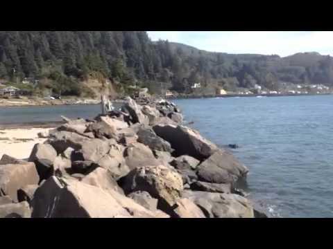 Fishing barview jetty oregon 2 youtube for Jetty fishing oregon