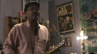 Saxgourmet Neck demonstrated on a Selmer Reference tenor