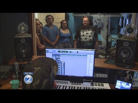 Kapena gifts Hokulea with new song dedicated to its worldwide voyage
