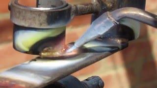 пайка латунью безвоздушной горелкой  soldering brass(для пайки использовалась латунная проволока 1 мм и универсальный житкий флюс он также применяется для пайк..., 2016-04-08T13:03:00.000Z)