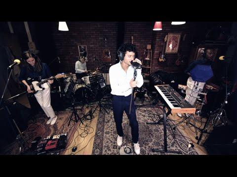 Inrocks Session : la métamorphose pop d'Adrien Gallo (ex BB Brunes)