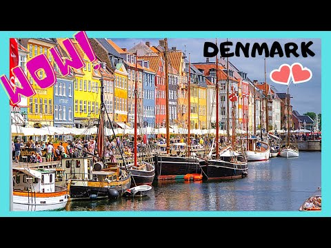COPENHAGEN, the historic and very touristy NYHAVN canal (DENMARK)