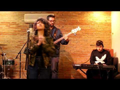Santo Espirito  Tafnes Oliveira  AGAPE MUSIC LIVE