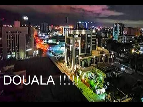 DOUALA, CAMEROON, BUILDINGS, SHOPPING MALLS, GRAND MALL, AFRICA.