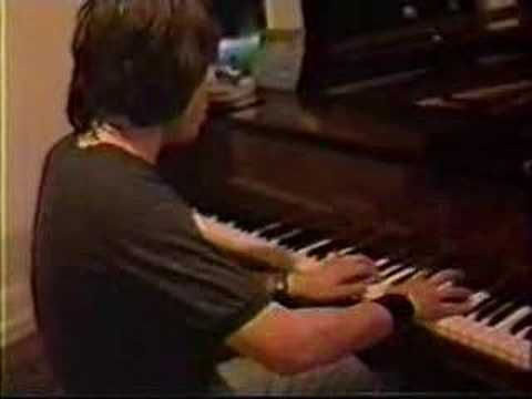 Elliott Smith playing Rachmaninoff
