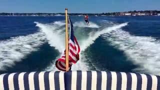 Hunt Yachts Surfhunter 25 Wakeboarding