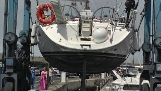 Mobile Boat Crane - Yacht Lifted Into Harbour - Puerto Colon - Adeje - Tenerife