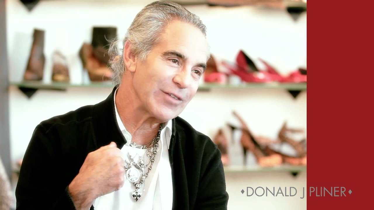 Donald Pliner and Signature designer shoes for men and women. Browse our selection of handbags, accessories, women's and men's shoes!