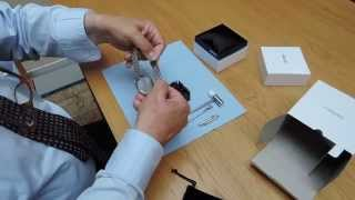 How to adjust the metal bracelet on a wristwatch. Links with Pens.