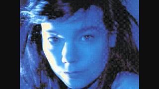 Björk - My Spine