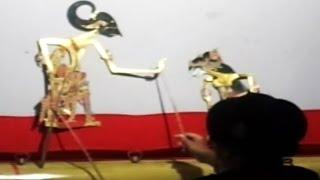 SAKYADHITA - Javanese Shadow Puppet - Woman Puppeteer - WAYANG KULIT PURWA [HD]