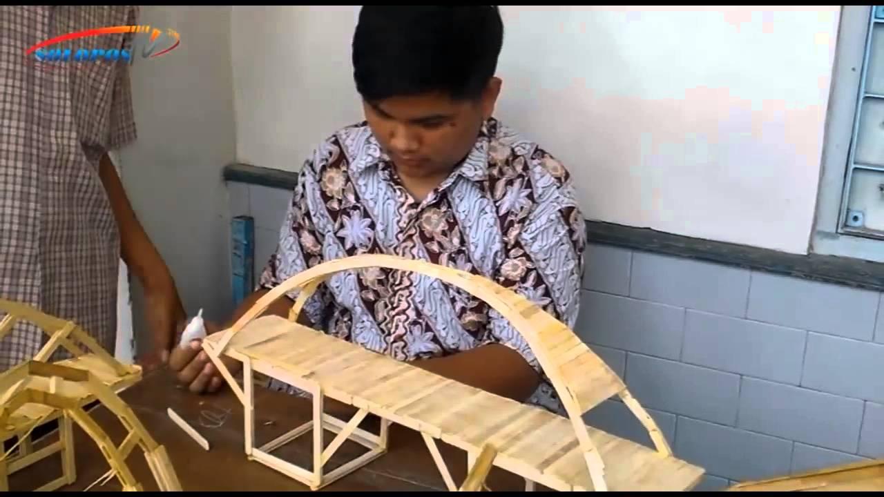 SMA Kristen 1 Solo Bikin Jembatan Unik dari Stik Es Krim ...