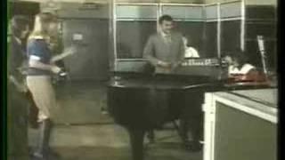 Paul McCartney meets John Conteh 1974