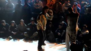 CHRIS HOPE BATTLE 2012 - Final Popping 1vs1 - Paco Vs U-Ghost ( La Smala )
