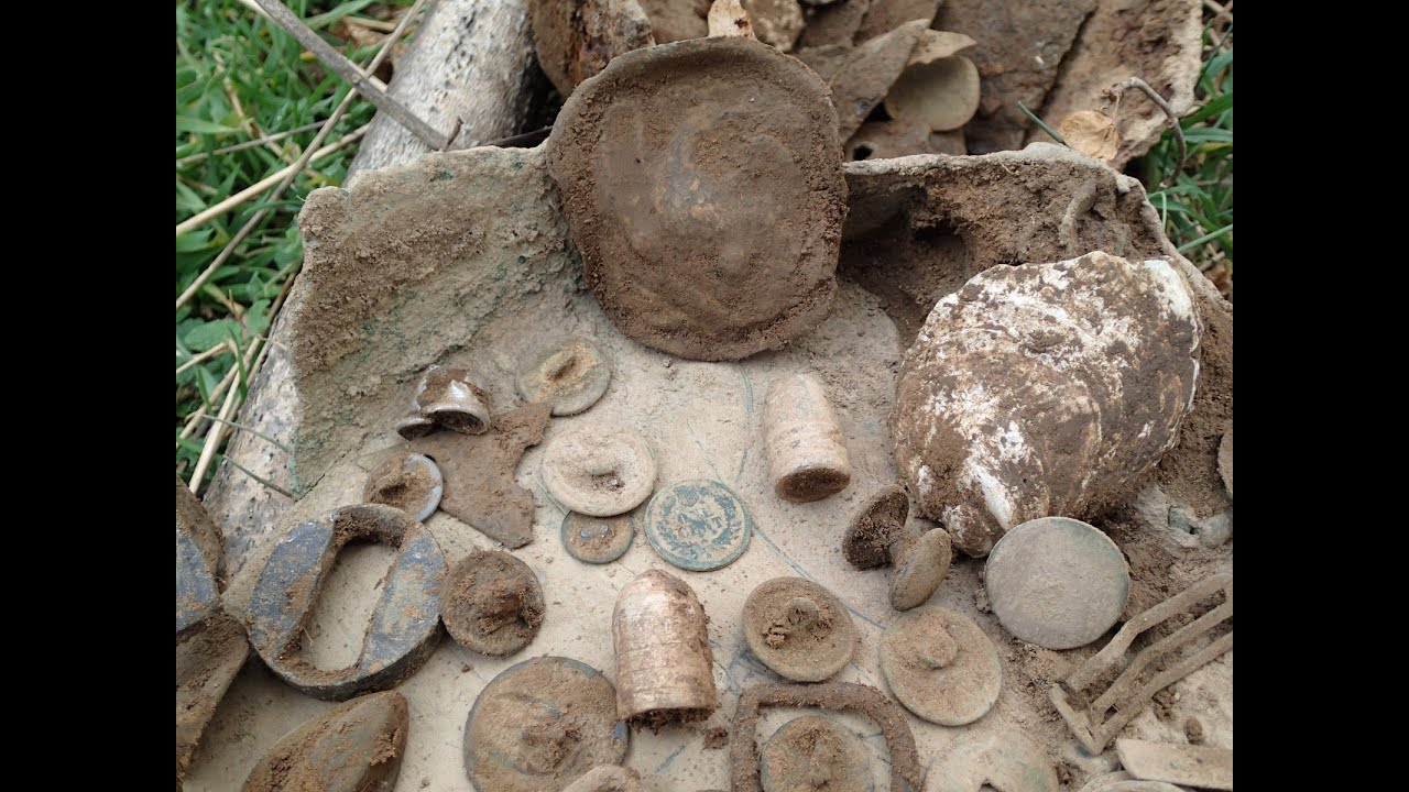 Metal Detecting: Old House With Civil War Relics