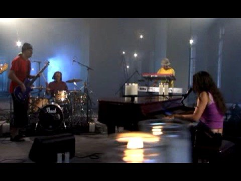 Vanessa Carlton - A Thousand Miles [live in New York City]