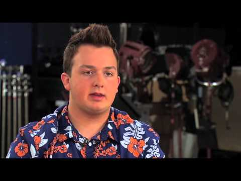 Noah Munck Gibby discusses the atmosphere on the set of iCarly.