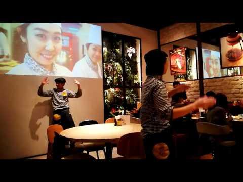 Suprise Dance Performance at Pablo Cafe Osaka