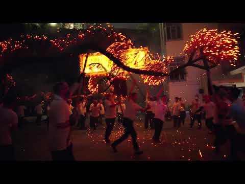 Tai Hang Fire Dragon Dance 大坑舞火龍