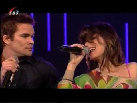 Shania Twain - Party For Two with Mark McGrath on Dutch TV 2004