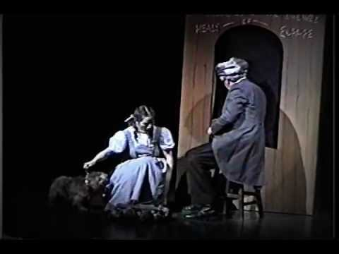 WIZARD OF OZ Melanie as Dorothy PART4 Gregory Terlecki as Hunk Scarecrow  Hudson Music Club
