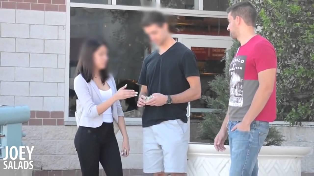 русский парень продает свою девушку