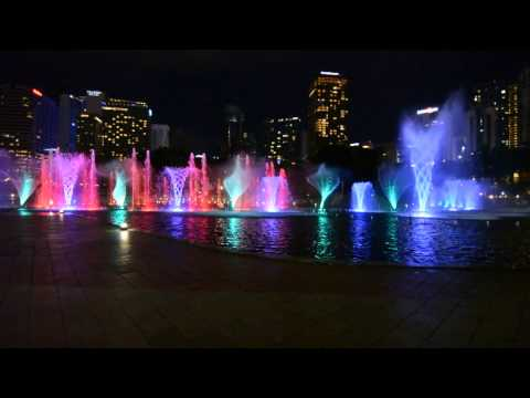 LAKE SYMPHONY MUSICAL FOUNTAIN WATER DANCE KLCC, KUALA LUMPUR, MALAYSIA