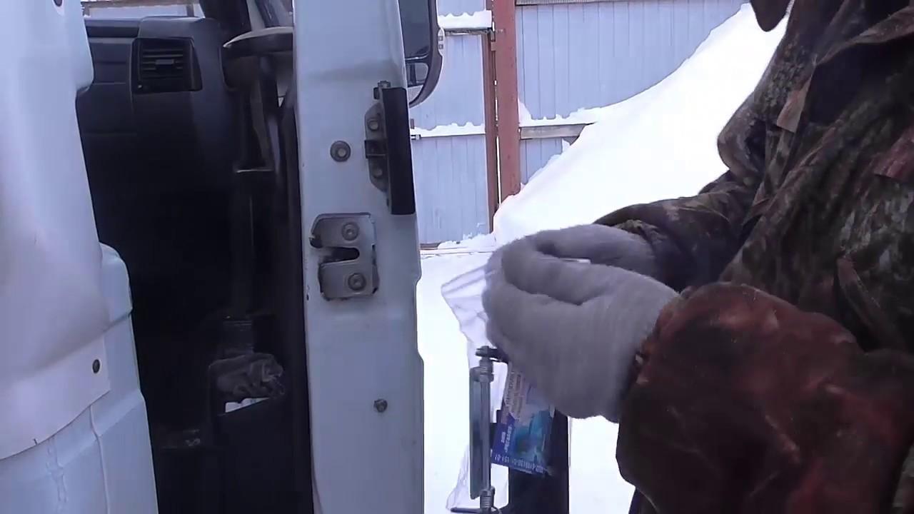 Форд Фокус ручка двери (как снять)