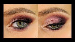 Розовый макияж с зелёным акцентом на слизистой.