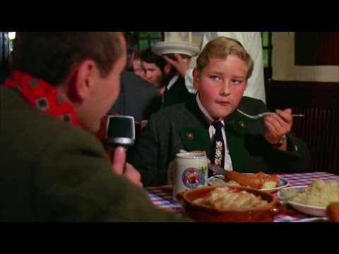 Augustus Gloop Wins Golden Ticket | Willy Wonka & The Chocolate Factory [HD]