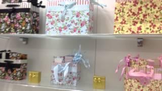 Торговое оборудование для бутика(Оборудование для бутика по продаже парфюма и бижутерии. 2 большие витрины+шкафчики с подсветкой! Белые..., 2013-07-25T06:15:34.000Z)