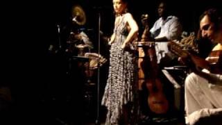 Roberta Sá e Trio Madeira Brasil no CCC 5.mpg