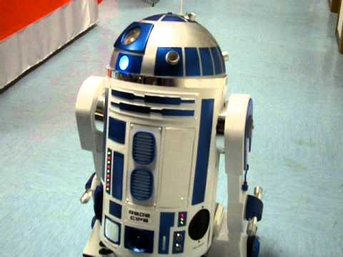 Replica del robot c1p8 r2d2 di star wars youtube - Robot blanc star wars ...