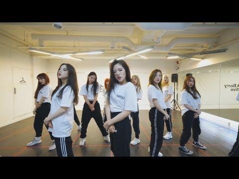 """이달의 소녀 (LOONA) """"BTS (방탄소년단) - 불타오르네 (FIRE)"""" Dance Cover"""