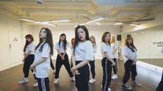 "Gambar cover 이달의 소녀 (LOONA) ""BTS (방탄소년단) - 불타오르네 (FIRE)"" Dance Cover"