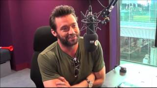 Repeat youtube video Hugh Jackman joins Grimmy for a chat about his new movie The Wolverine