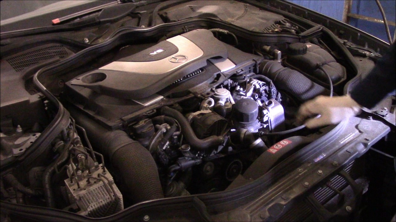 How to change the oil and filter on a 2006 mercedes benz for Mercedes benz e350 oil change