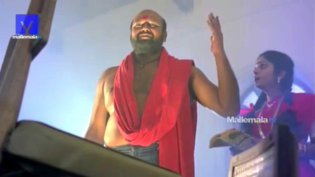 Villain Rami Reddy Traps A Girl Scene From Ammoru Youtube