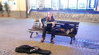 Уличные музыканты Красиво поет под Гитару 5nizza СУПЕР