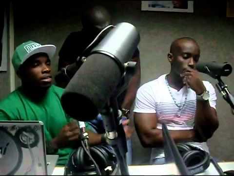 reportagem na radio lac... com ANgola Scratch DJS