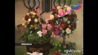 Популярные розы или весенние тюльпаны? За сколько можно приобрести цветы для милых дам в 8 Марта?