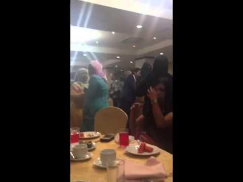 Terus Mencintaimu Wanns Ahmad di majlis makan malam bersama