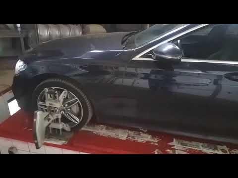 Mercedes-Benz W213 — Проверка и регулировка углов установки передних колес