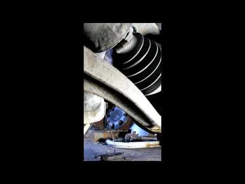 Как снять шаровую опору, рулевой наконечник и пыльник рулевой тяги