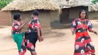 Moses Makawa - Kwathu Kwavuta