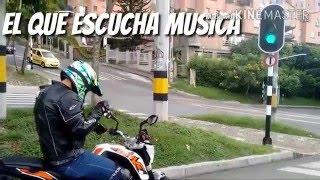 5 Tipos de motociclistas en un semáforo