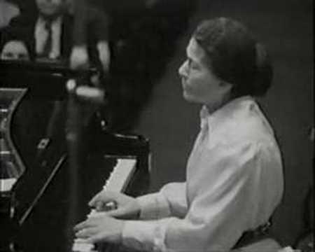 Annie Fischer - Chopin Concerto no. 1 part 1/4